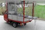 APE 50 mit Grillaufbau und herausziehbarem Tisch